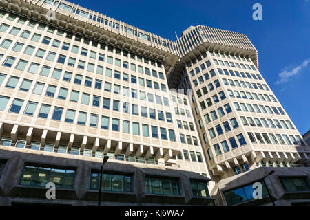 Ministry of Justice at 102 Petty France in London was originally the Home Office. The building was designed by Sir - Stock Photo