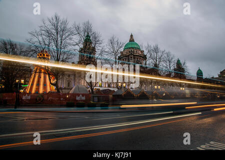 Belfast, Northern Ireland - 20th November 2017 - Belfast City Hall and Christmas market. A traditional festive market - Stock Photo