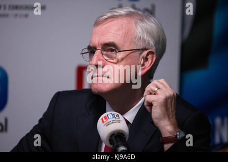London, UK. 22nd November, 2017. John McDonnell MP, Shadow Chancellor, gives his opinion on Chancellor of the Exchequer - Stock Photo