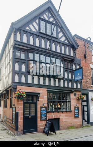 Ye Olde Custom House Inn historic public house in Watergate Street, Chester, UK - Stock Photo