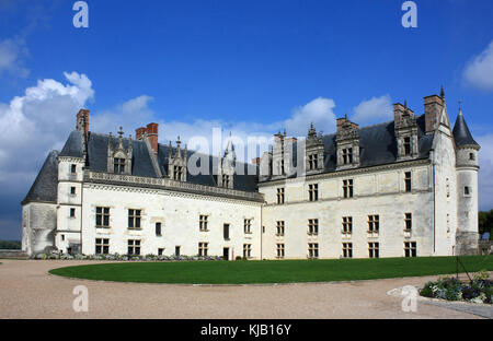 Royal Lodge, Chateau of Amboise. Charles VIII's Gothic lodge on the left, Francois I's Renaissance lodge to the - Stock Photo