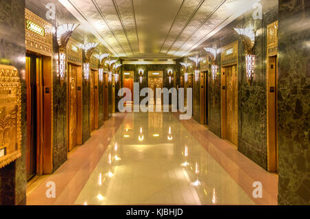 Chicago - September 7, 2015: Lobby of One North LaSalle Building in the loop district. - Stock Photo