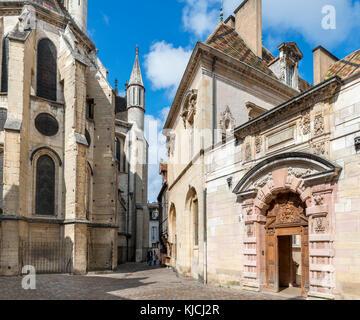 Rear of the Church of Notre-Dame de Dijon (Eglise Notre-Dame) and the Hotel de Vogue, Rue de la Chouette, Dijon, - Stock Photo