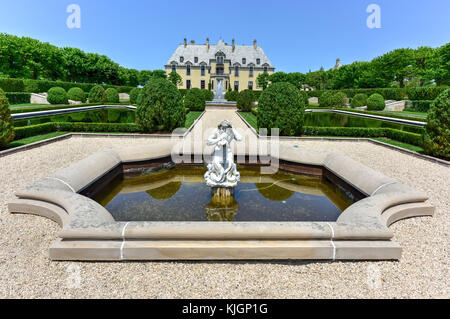 Oheka Castle in Huntington, New York. One of many among the Gold Coast Mansions of Long Island. - Stock Photo