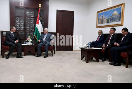 Ramallah, West Bank, Palestinian Territory. 14th May, 2017. Palestinian President Mahmoud Abbas meets with director - Stock Photo