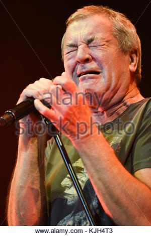 London, UK. 23 November, 2017. Ian Gillan, Deep Purple, performs at the O2 Arena. Credit: Bart Lenoir/Alamy Live - Stock Photo