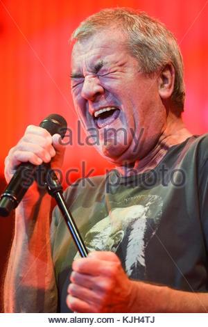 London, UK. 23 November, 2017. Ian Gillan, Deep Purple, performs at the O2 Arena. Credit: Bart Lenoir/Alamy Live - Stock Photo
