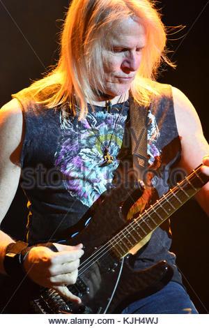 London, UK. 23 November, 2017. Steve Morse, Deep Purple, performs at the O2 Arena. Credit: Bart Lenoir/Alamy Live - Stock Photo