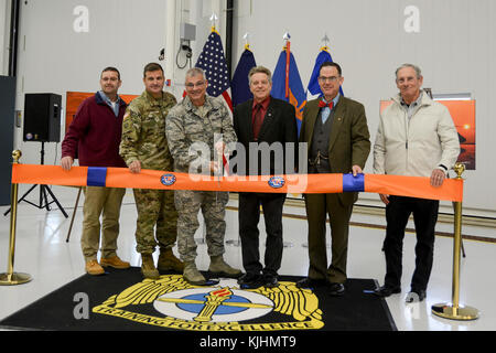 Maj. Gen. Tony Carrelli, Pennsylvania's adjutant general, cuts the ribbon dedicating the Eastern Army National Guard - Stock Photo
