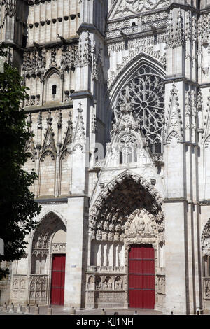 Auxerre cathedral dedicated to Saint Stephan.  West front.  France. - Stock Photo