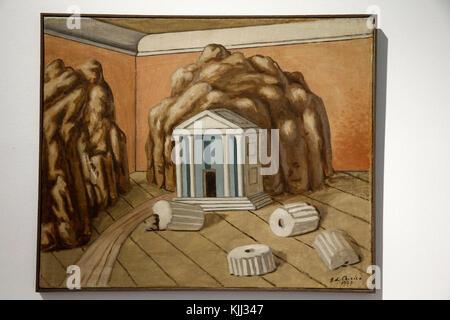 Museum of Modern Art, Rome. Giorgio de Chirico. Il tempio nella stanza. 1927.  Cette image n'est pas tombŽe dans - Stock Photo