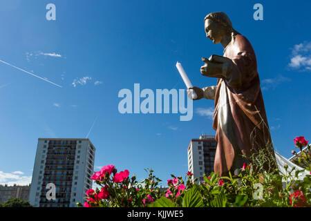 50e anniversaire du diocèse de Nanterre. Statue de Sainte Geneviève. - Stock Photo