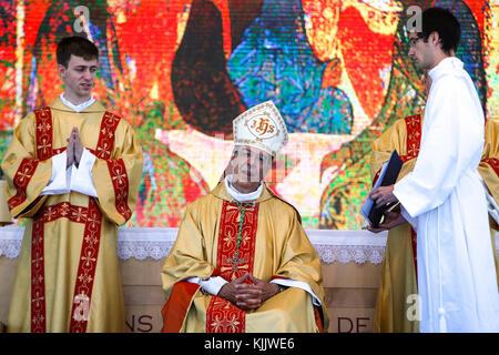 50e anniversaire du diocèse de Nanterre. Mgr Michel Aupetit. Messe. - Stock Photo