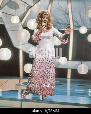 DUSTY SPRINGFIELD (1939-1999) English singer about 1972. Photo: Tony Gale - Stock Photo