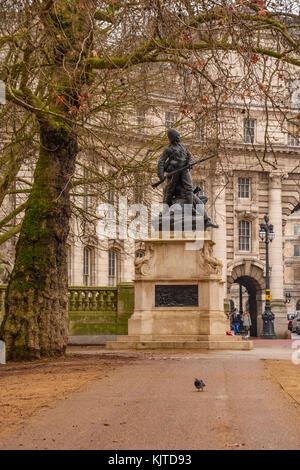 The Royal Marines Memorial or Graspan Royal Marines Memorial is an outdoor bronze sculpture by Adrian Jones, installed - Stock Photo