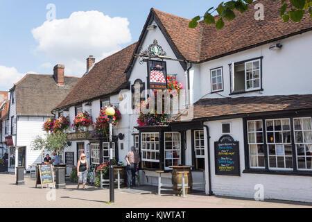 16th century The Chequers Pub, High Street, Billericay, Essex, England, United Kingdom - Stock Photo