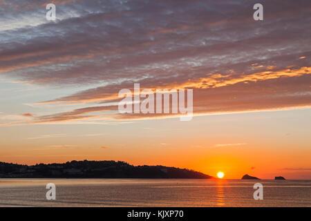 England, Devon, Torquay, Sunrise Over Torbay - Stock Photo