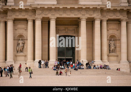 Tourists at the entrance to Eglise du Dome, Les Invalides, Paris, France, Europe - Stock Photo