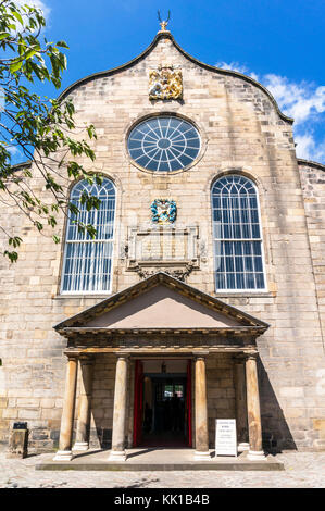 Edinburgh scotland edinburgh Canongate Kirk or The Kirk of the Canongate royal mile edinburgh scotland uk gb europe - Stock Photo