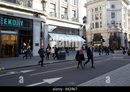 London, UK. 28th Nov, 2017. Blue Skies over Oxford Circus in London. Credit: Keith Larby/Alamy Live News - Stock Photo