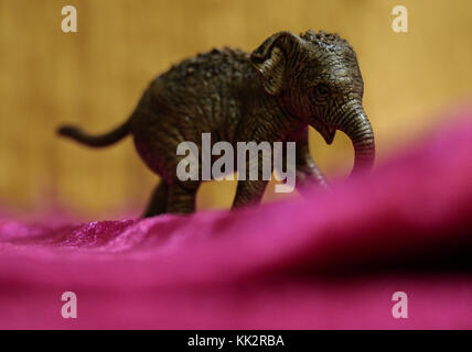 Nuremberg, Germany. 28th Nov, 2017. Picture of an elephant figurine by Schleich taken in Nuremberg, Germany, 28 - Stock Photo