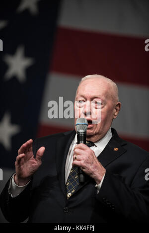Retired U.S. Marine Corps Gen. Al Gray speaks after being awarded the Ted Williams Globe and Anchor Semper Fidelis - Stock Photo