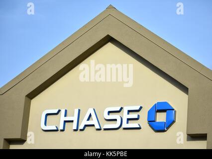 Chase Bank logo in Bellingham, Washington. - Stock Photo