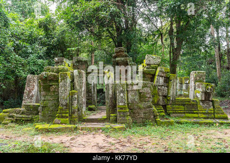 A view of a ruined temple at Banteay Kdei in the Angkor Wat complex outside of Siem Reap, Cambodia. - Stock Photo