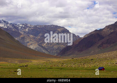 A tent, near the mountains. Himachal Pradesh, Northern India - Stock Photo