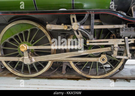 Detail of valve gear on ex-LNER V2 class steam locomotive engine Green Arrow on display at the NRM Shildon UK - Stock Photo