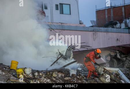 Earthquake Mexico 2017. Hundreds of thousands of Mexicans worked on humanitarian aid for days, nights, and early - Stock Photo