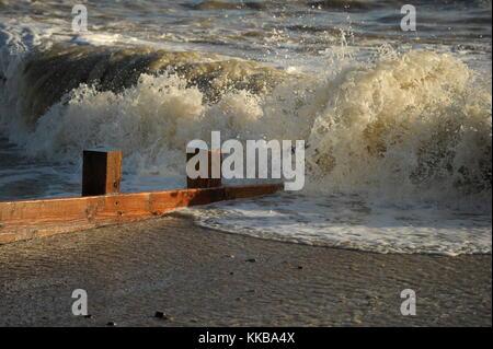 AJAXNETPHOTO. 2013. WORTHING, ENGLAND. - ROUGH SEA BATTERS COAST - STORMY WEATHER HAMMERS THE STEEP SHINGLE BEACH - Stock Photo