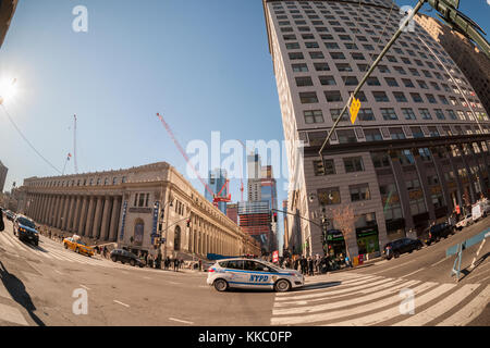 Development in and around Hudson Yards in New York on Friday, November 24, 2017. The James Farley Post Office, soon - Stock Photo