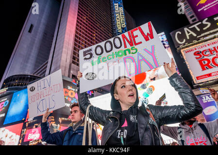 New York, United States. 29th Nov, 2017. ACT UP New York took to the streets in outrage to draw attention to World - Stock Photo