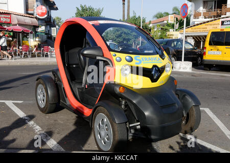 renault twizy electric car cars quadricycle city zero emission emissions - Stock Photo