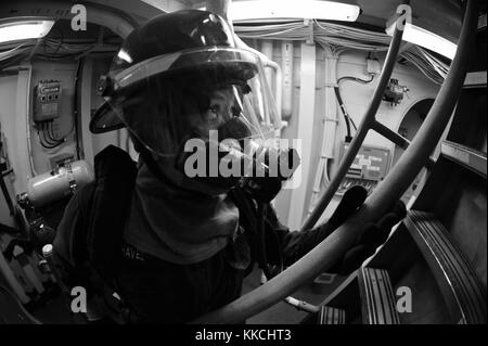 Gas Turbine System Technician Mechanical Fireman Isabel Chavez, assigned to the Arleigh burke-class guided-missile - Stock Photo