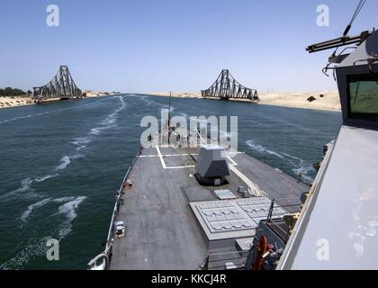 The guided-missile destroyer USS James E Williams DDG 95 transits the Suez Canal, Egypt. Image courtesy Mass Communication - Stock Photo
