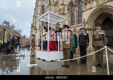 Podium, dignitaries, officers & soldiers outside York Minster to commemorate 50th anniversary of British withdrawal - Stock Photo