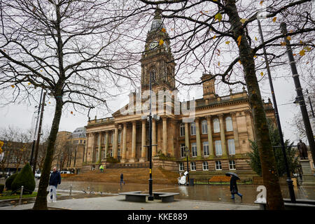 Rain at Bolton Town Hall Victoria Square a grade II* listed building  neoclassical style in the form of a temple - Stock Photo