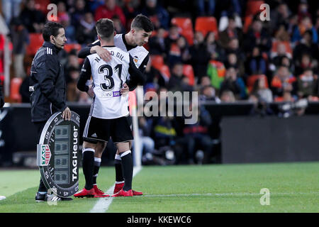 Valencia, Spain. 30th Nov, 2017. Nacho Gil of Valencia CF substitute Ferran Torres during spanish the Copa del Rey, - Stock Photo