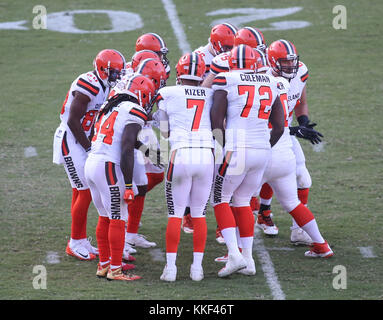 Carson, CA. 03rd Dec, 2017. Cleveland Browns offense during the NFL Cleveland Browns vs Los Angeles Chargers at the Stubhub Center in Carson, Ca on December 03, 2017. (Absolute Complete Photographer & Company Credit: Jevone Moore/Cal Sport Media (Network Television please contact your Sales Representative for Television usage. Credit: csm/Alamy Live News Stock Photo