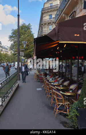 Cafes Near Champs Elysees