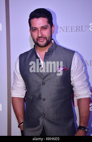 Mumbai, India. 30th Nov, 2017. Indian film actor Aftab attend the Popular ethnic brand Neeru's an exclusive showcase - Stock Photo