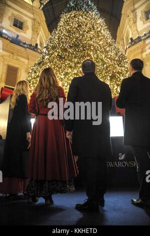 Milan, Italy. 1st December, 2017. Lighting of the Swarovski Christmas tree in the Vittorio Emanuele Gallery In the - Stock Photo
