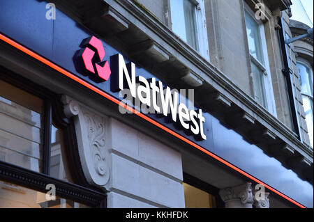 Weymouth, Dorset, UK.  1st December 2017.   NatWest bank sign and logo at the Weymouth Branch in Dorset.  This branch - Stock Photo