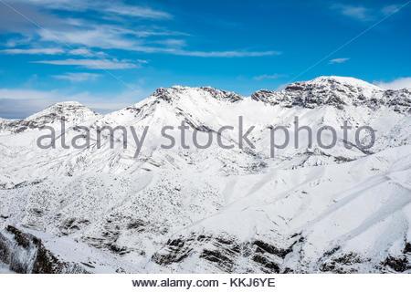 Morocco, Marrakech-Safi (Marrakesh-Tensift-El Haouz), Al Haouz Province. Tizi N'Tichka pass in the Atlas Mountains. - Stock Photo