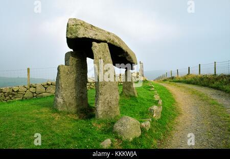 Legananny Dolmen prehistoric megalithic portal tomb cromlech near Banbridge and Castlewellan, Co. Down, Ireland. - Stock Photo