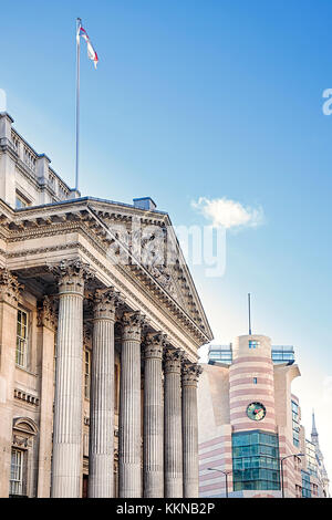 England, London, Bank Junction, Mansion House, home to the Lord Mayor of London with James' Stirling's No.1 Poultry - Stock Photo