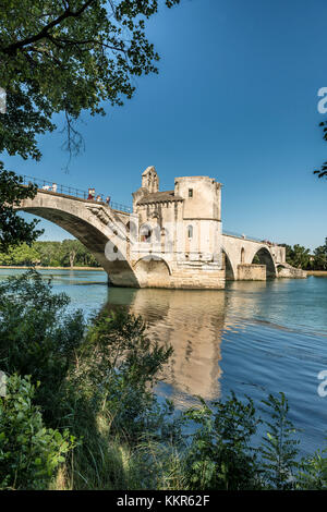 Avignon, Provence, Provence-Alpes-Côte d'Azur, Vaucluse, Southern France, France, Bridge of St Benezet over the - Stock Photo