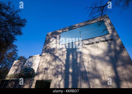 Austria, Salzburgerland, Salzburg, Museum der Moderne Monchsberg, modern art museum, exterior - Stock Photo